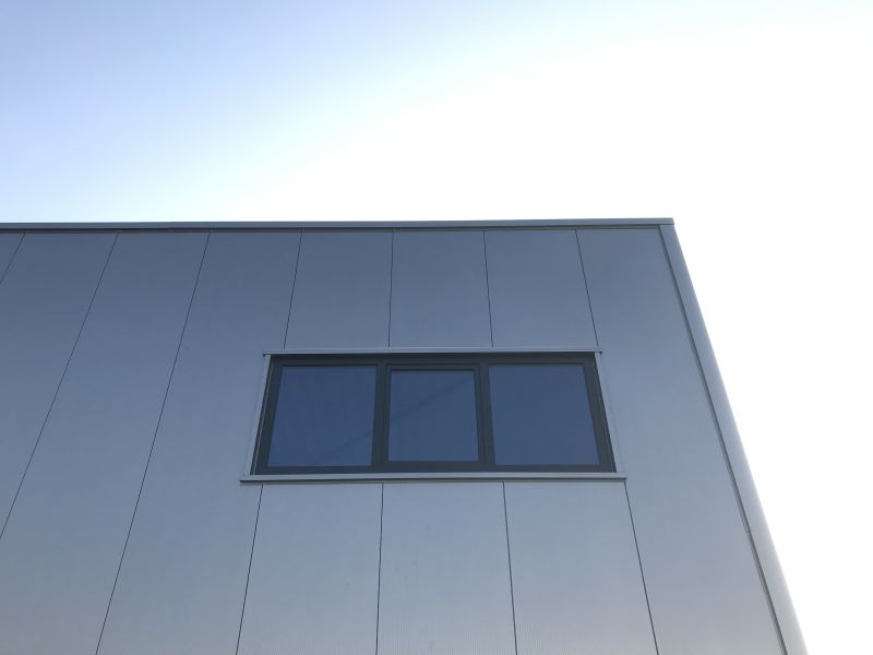 Sandwich panels and metal profile sheets